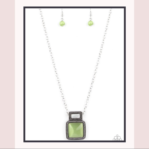 Paparazzi Etherally Elemental Green Necklace, NWT